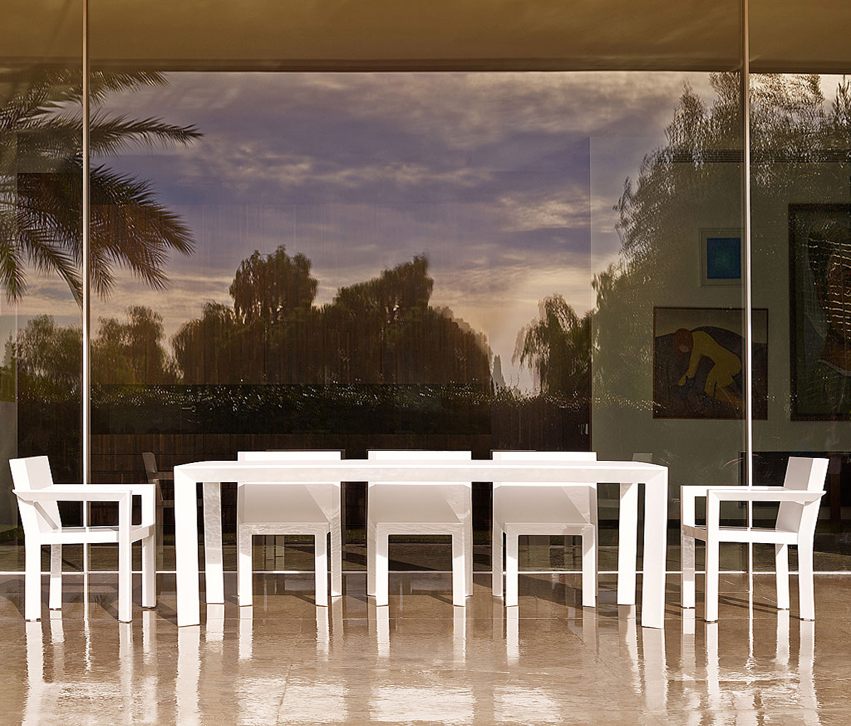 sleek and contemporary patio garden furniture
