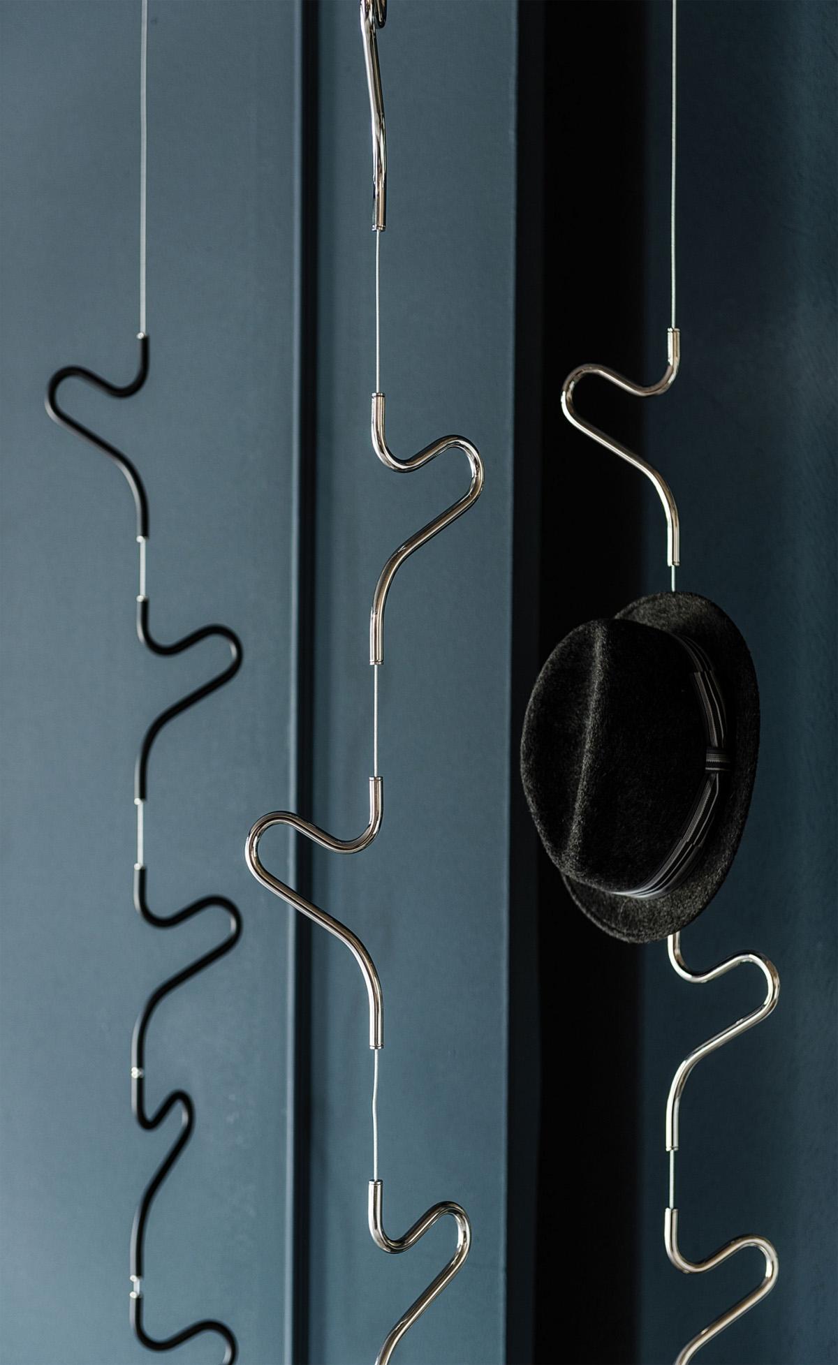 Air coat hanger by cattelan italia