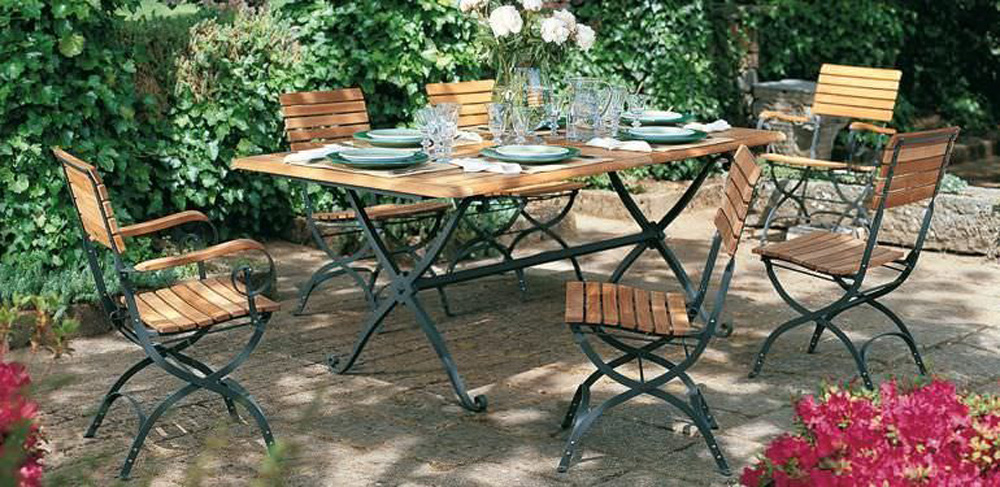 Wooden Garden Furniture – A Stylish and Smart Way of Decorating