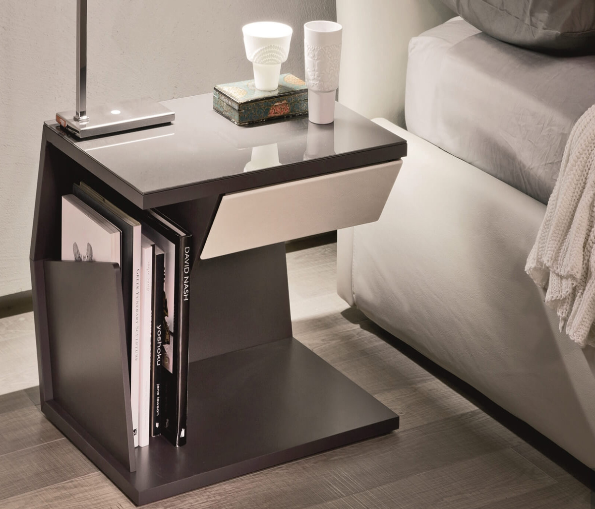 club bedside table by cattelan italia