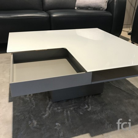 Coffee Tables by FCI Clearance