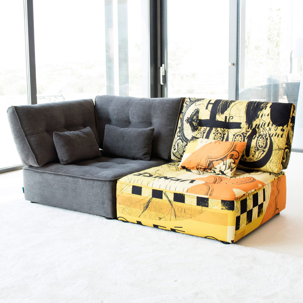 Arianne Love Sofa by Fama