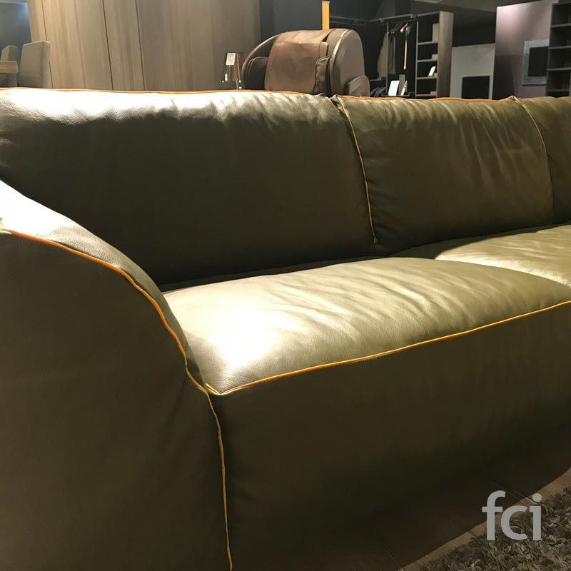 Kong 4 Seater Sofa by Naustro Italia
