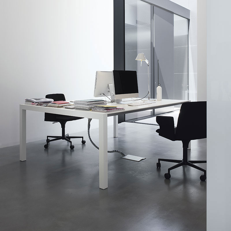 Sushi Workstation Office Desk by Kristalia