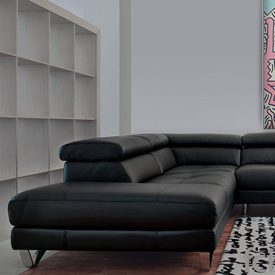 Cameo Sofa by Naustro Italia Milano Collection