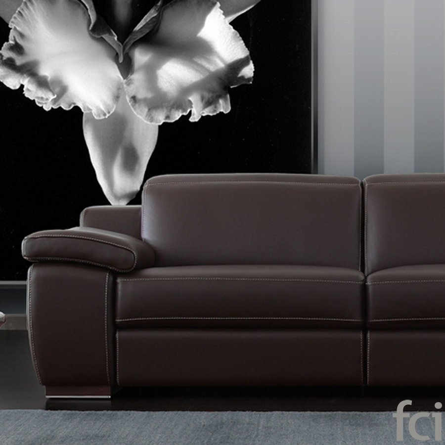 Jagger Sofa by Naustro Italia Milano Collection