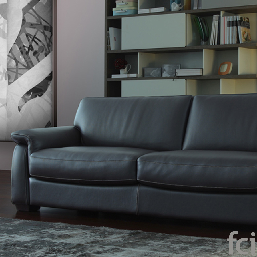 Philiph Sofa by Naustro Italia Milano Collection