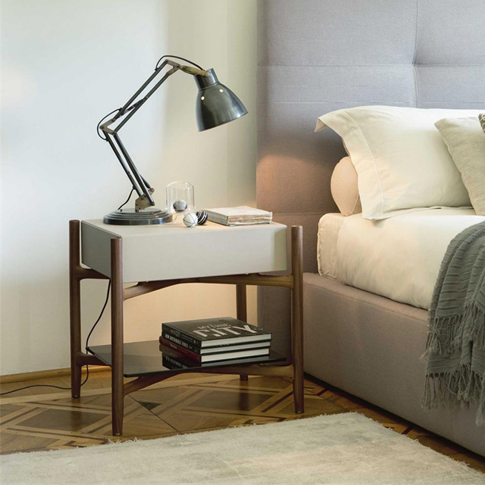 Regent 2 Pelle Bedside Table by Porada