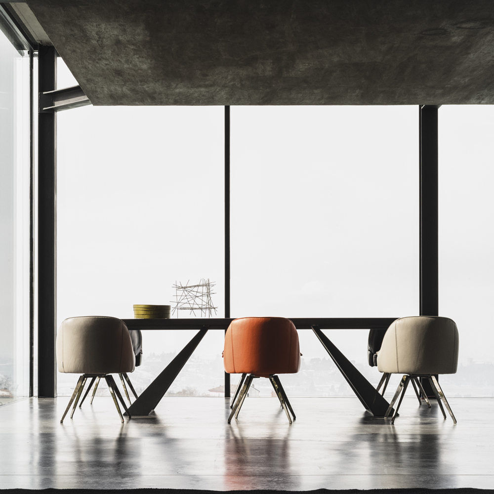 Karma Dining Table by Cierre
