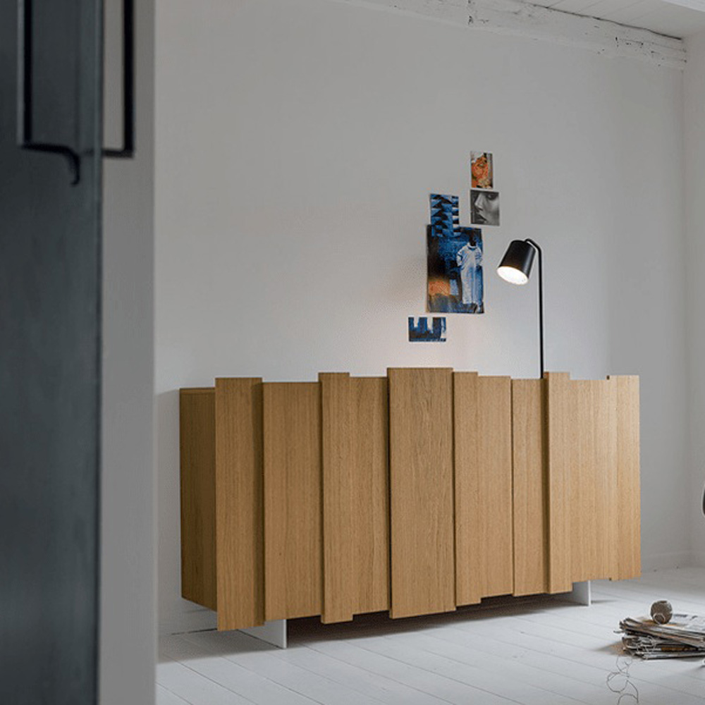 26 Stripe Nodes Sideboard by Dallagnese
