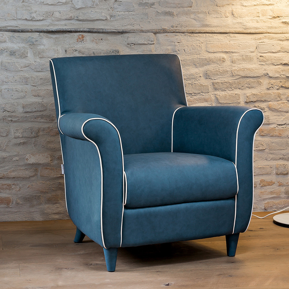 Classic Armchair by Dallagnese