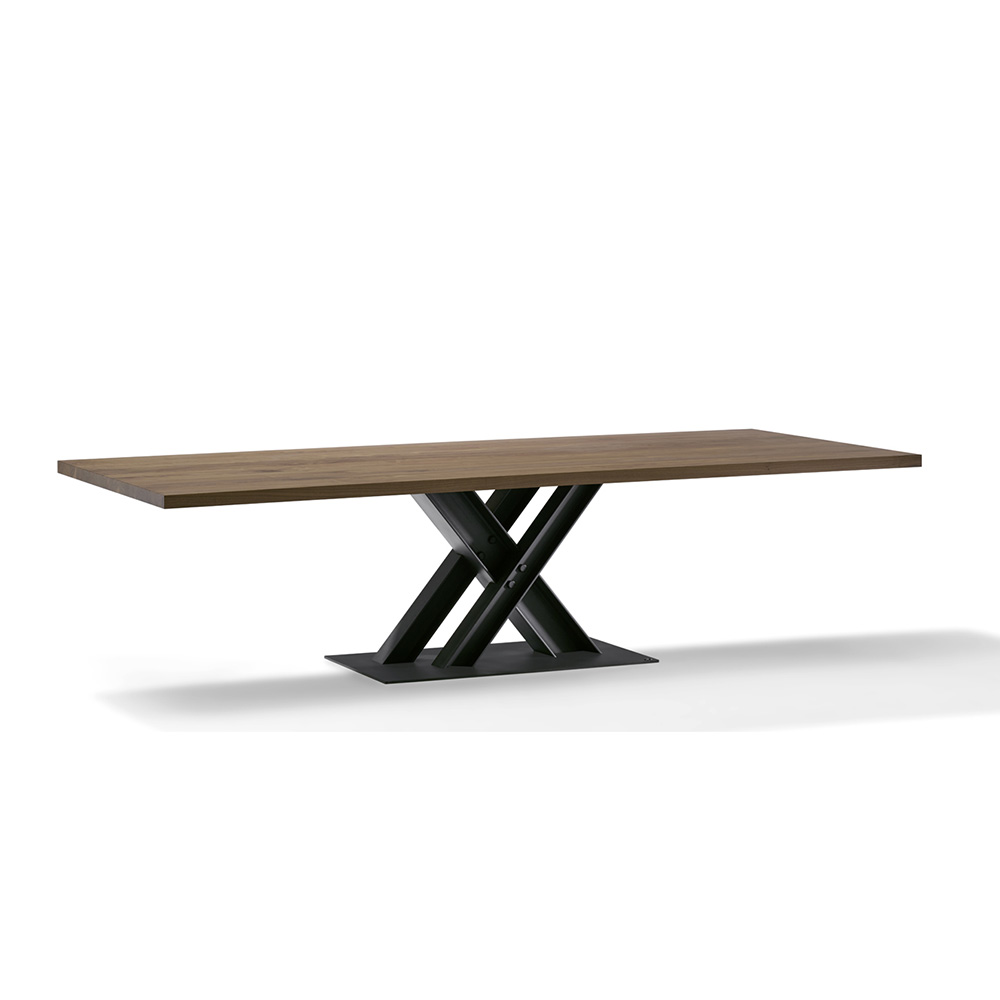 Victor Dining Table by Draenert