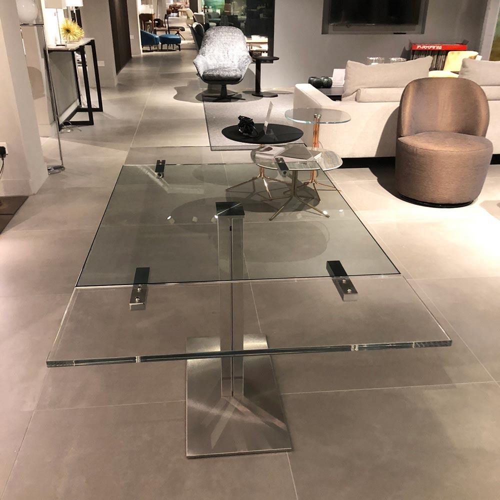 Elvis Drive Dining Table by Cattelan Italia | FCI Clearance