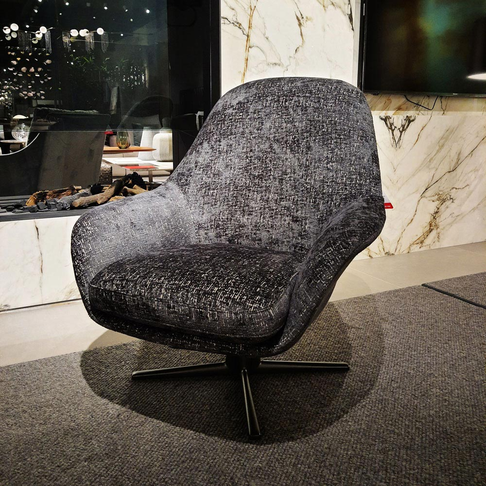 Sveva Armchair 4 Spokes by Flexform | FCI Clearance