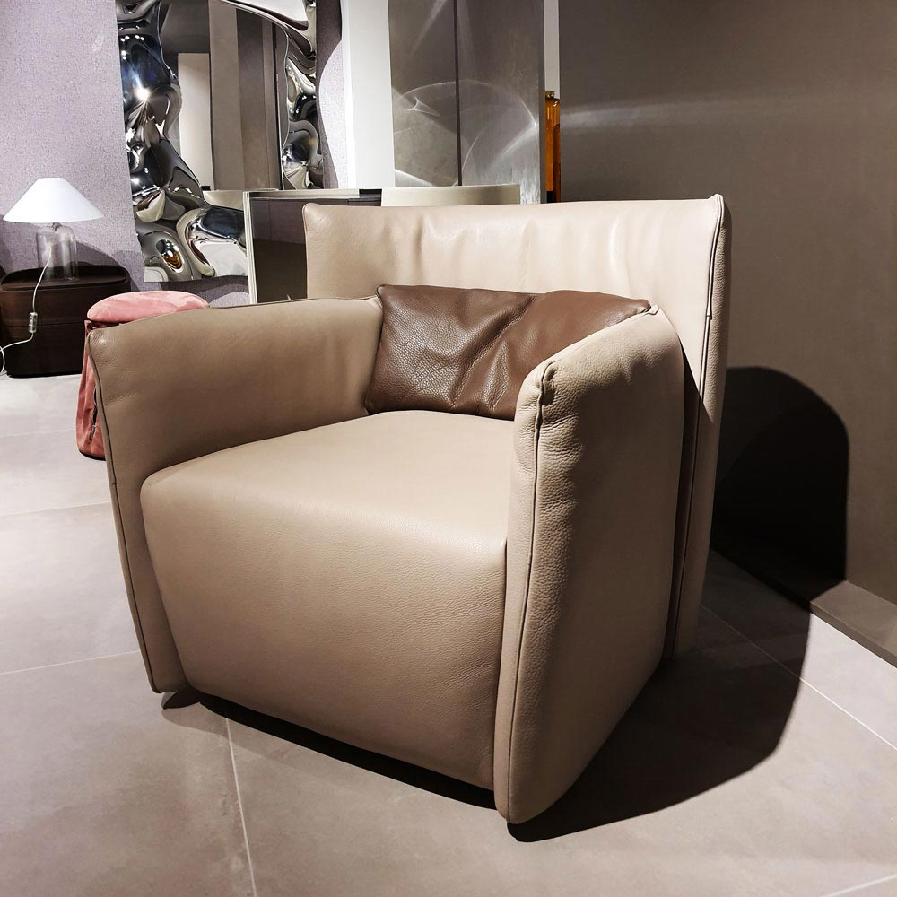 Tulip Armchair by Gamma & Dandy | FCI Clearance