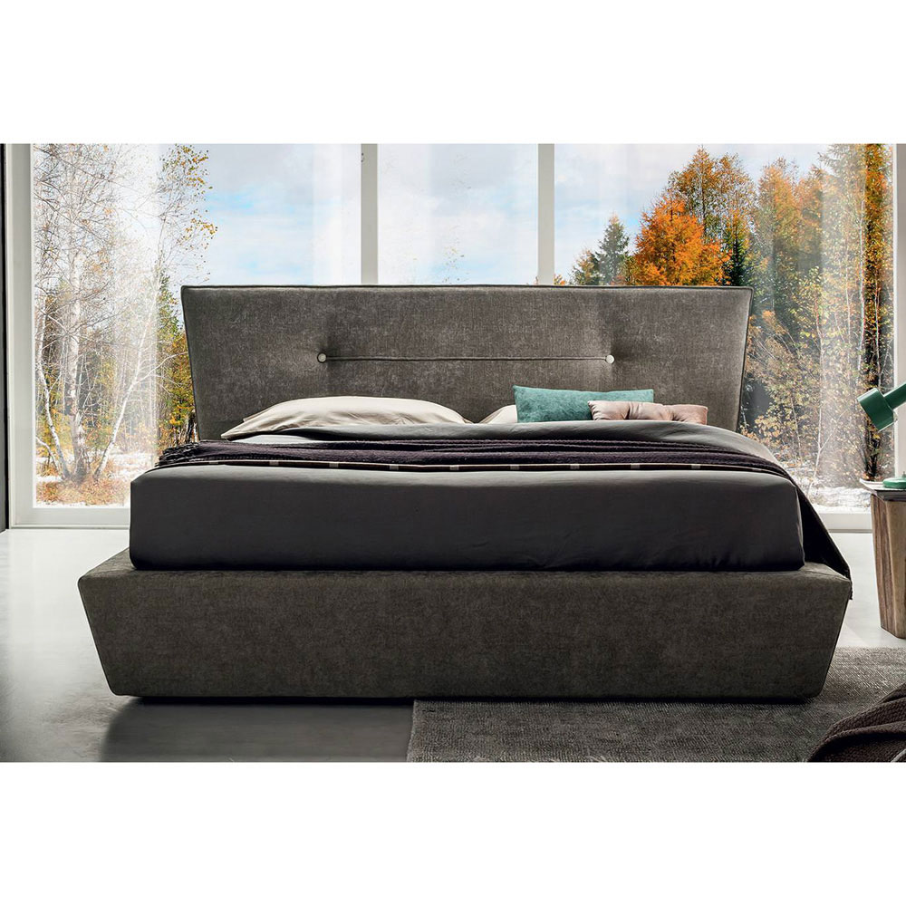 Chris Double Bed by Felix Collection
