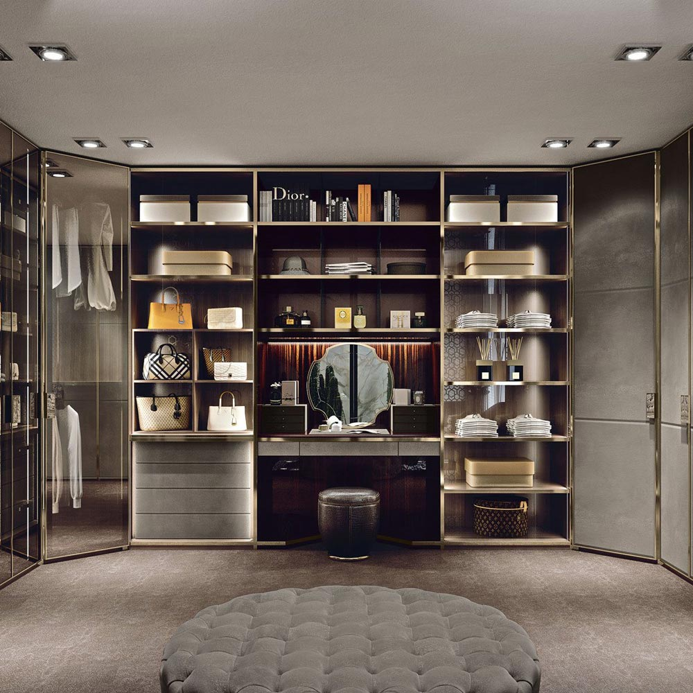 Atelier Walk In Closet by Longhi