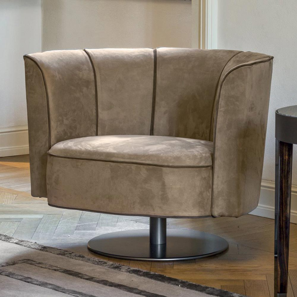 Ludwig Armchair by Longhi