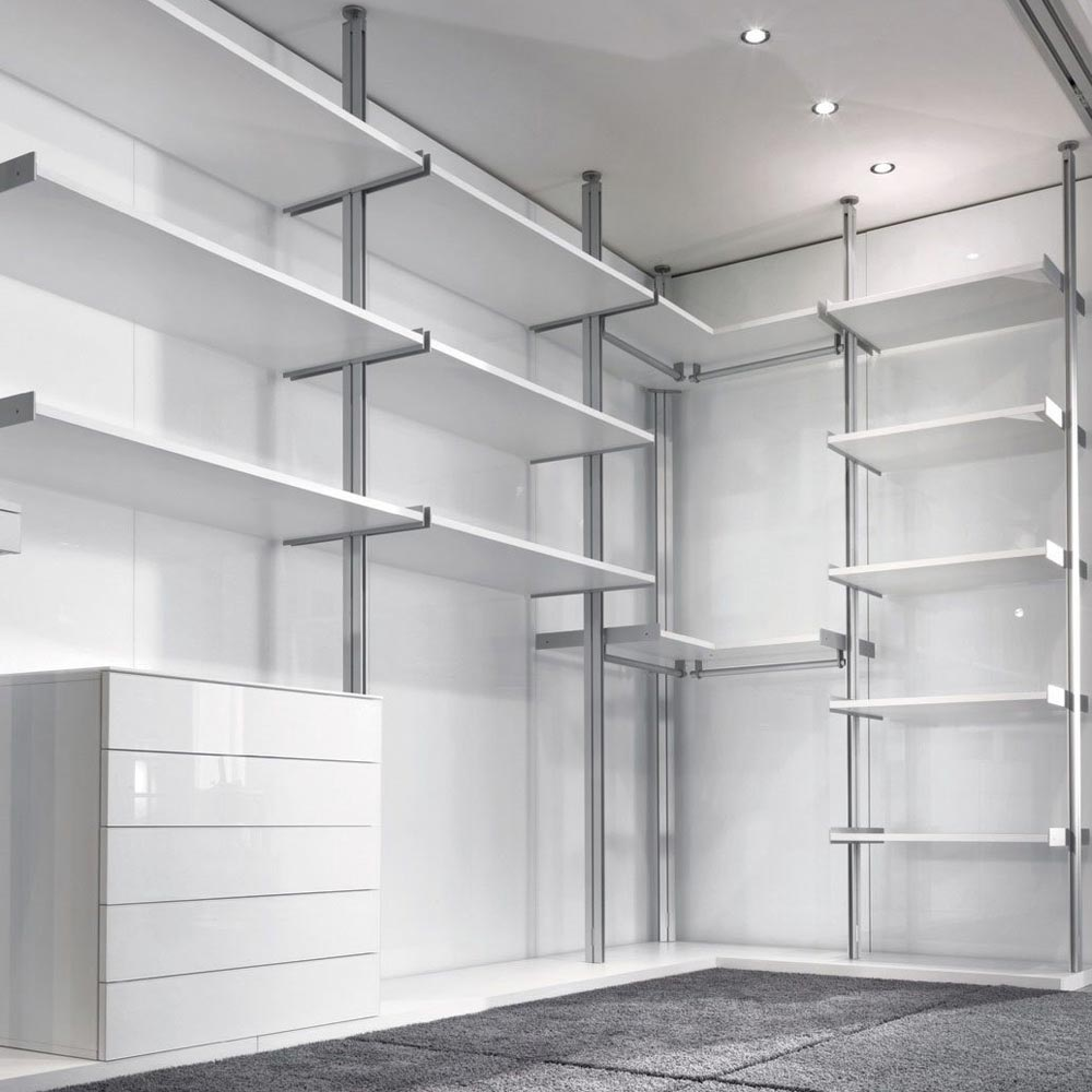 Vertical Walk In Closet by Longhi