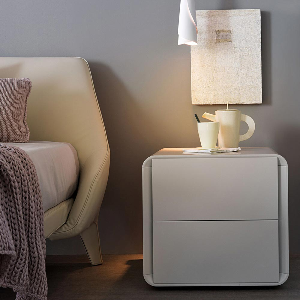 Jacqueline Bedside Table by Misura Emme