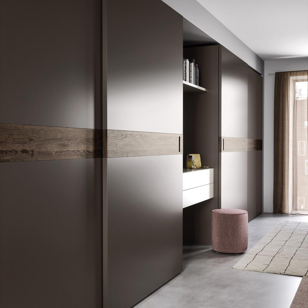 Class Sliding Door Wardrobe by Novamobili