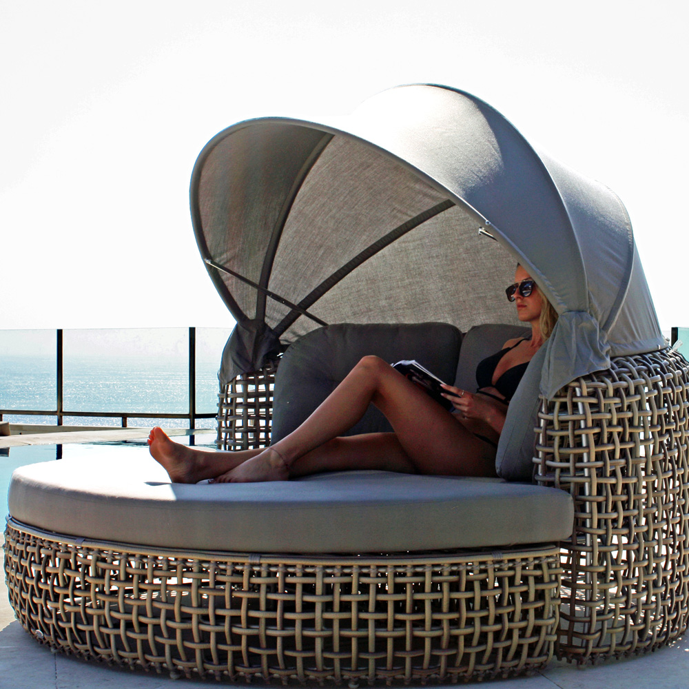 Dynasty Daybed by Skyline Design