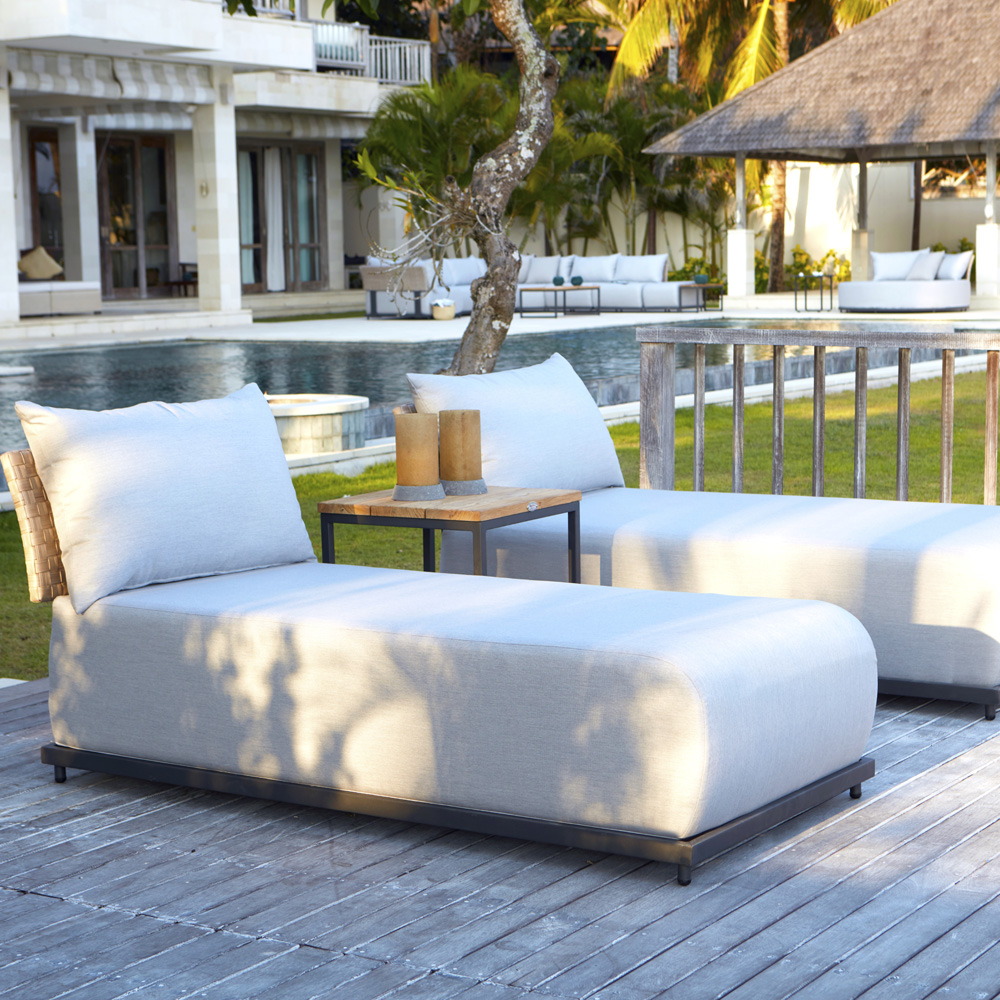 Windsor Lounger by Skyline Design